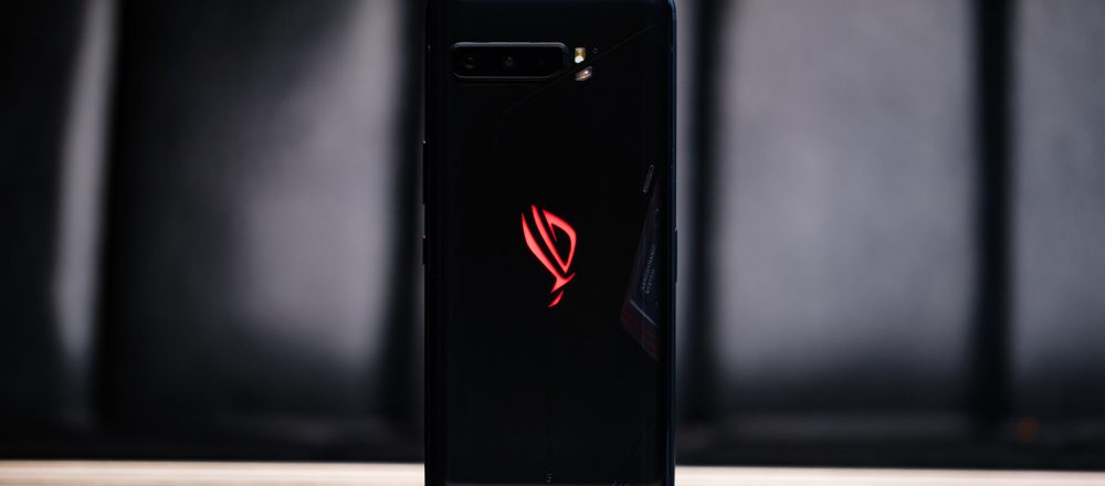 Asus-ROG-Phone-3-back-up-on-table